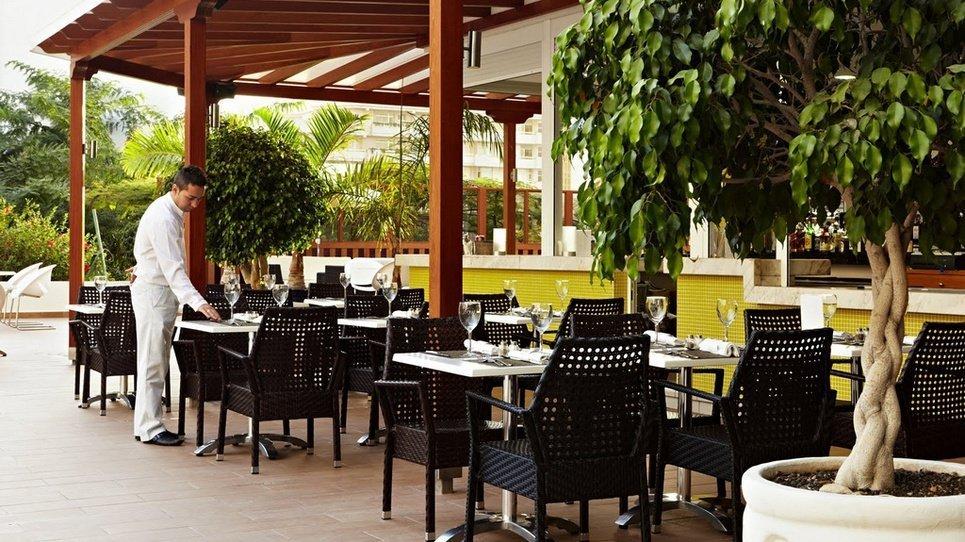 POOLBAR Hotel Coral Suites & Spa